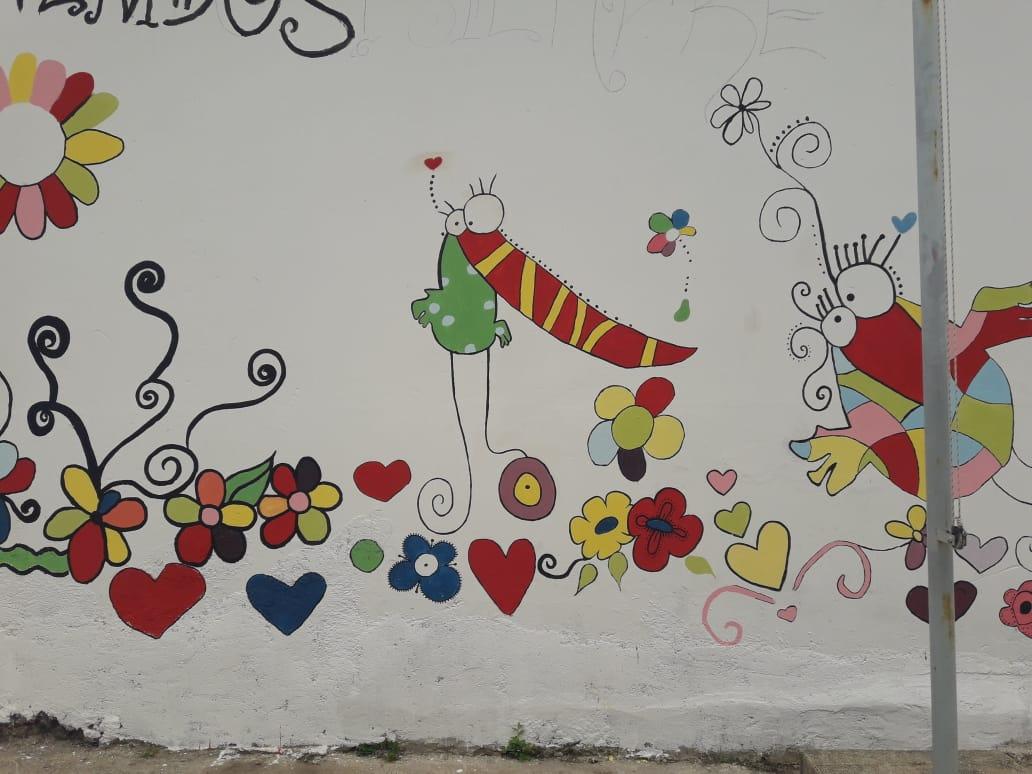 Niños De Jardín Y Jóvenes De Secundario Se Unieron Para Pintar Un